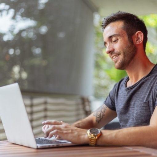 comment créer un site internet qui rapporte de l'argent